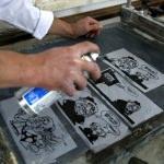 Demirel'in karikatürleri ve sözleri seramik üzerine işlendi