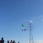 Paraşütçü yüksek gerilim hattına çarptı ve...