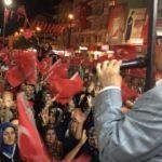 Van'da vatandaşlar meydanlara akın etti