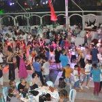 İzmir'de toplu sünnet şöleni