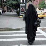 ABD'de Müslüman kadının kıyafeti ateşe verildi