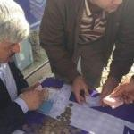 Kulüp başkanı maç biletlerini kendi sattı