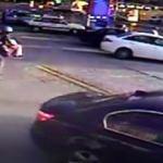 İnişi kaçıran paraşütçü benzin istasyonuna düştü!