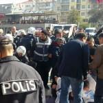 Aydın'da izinsiz açıklama yapmak isteyen gruba müdahale
