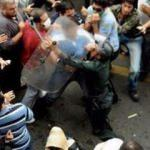 İran'da isyan! Halk ayaklandı