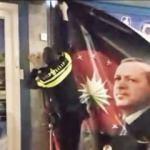 Hollanda polisi 'Erdoğan' posterini indirdi