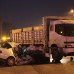 Bolu'da kamyon ile otomobil çarpıştı: 1 ölü