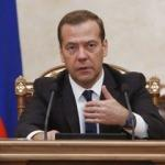 Rusya'yı sarsan karara Medvedev'den tepki!