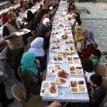 Hatay'da Türkmen yetimler için iftar programı