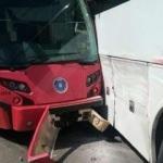 Bursa'da feci kaza! Tramvay otobüsle çarpıştı