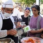 Ramazan'da yaşlı ve engellilere sıcak yemek