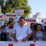 CHP'nin Berberoğlu'nun tutuklanmasına tepki yürüyüşü