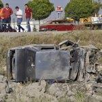 Lastiği patlayan otomobil yoldan çıktı: 1 ölü