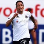 Beşiktaş'ın başını döndüren Adriano teklifi!