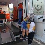 Erzincan'da otomobil aydınlatma direğine çarptı: 2 yaralı