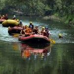 Düzce'de vatandaşlar rafting tesislerine akın etti