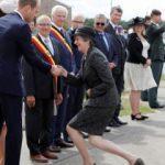 İngiltere Başbakanı May'in dikkat çeken görüntüsü