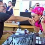 Gülşen sahnede Ozan Çolakoğlu'nun elini öptü