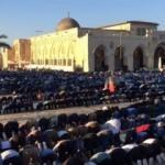 Filistinli Müslümanlar Mescid-i Aksa'ya akın etti!