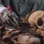 Mücevher fışkırdı! Kuyumcu ve ailesi bulundu