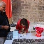 Edirneli genç yazar kitaplarını imzaladı