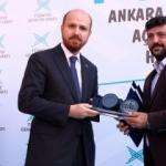 Medya Akademisi Eğitimcilerine, Erdoğan'dan Plaket
