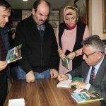 Başkan Arslan ilk kitabı için imza günü düzenledi