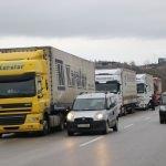 Bulgaristan'a açılan sınır kapılarında yoğunluk sürüyor