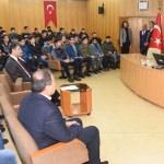 Adana Valisi Demirtaş, öğrencileri kampa uğurladı
