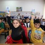 Bingöl'de öğrencilere süt dağıtımı