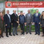 Soma'da 15 mahalleye meyve fidanı dağıtıldı