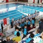 Devlet korumasındaki çocuklara yüzme eğitimi