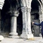 11 asırlık kiliseyi kriko ayakta tutuyor
