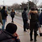 Metrobüs duraklarında isyan ettiren görüntü!
