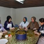 Kadınlar Günü'nde askerler için yiyecek yaptılar