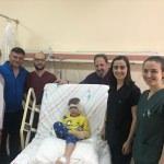 5 yaşındaki Kılıçarslan'a ücretsiz biyonik kulak ameliyatı