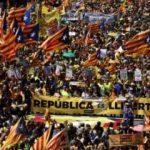 Yüz binlerce kişi Puigdemont için sokağa çıktı