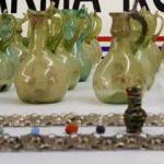 4 bin yıllık gözyaşı şişeleri ele geçirildi