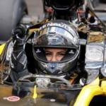 Suudi kadın sürücü F1 otomobilini deneyimledi