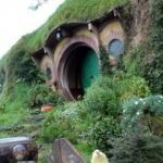 Filmden esinlenerek kendi Hobbit evini yaptı
