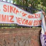 Siirt'te izinsiz asılan afişler toplandı