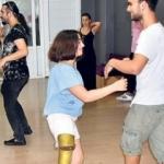 Engellilerin dans edemeyeceğini söyleyenleri utandırdı