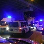 İzmir'de köprüden düşen genç ağır yaralandı