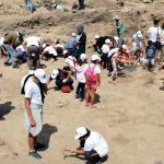 Öğrenciler arkeoloji kampında tarihe dokundu