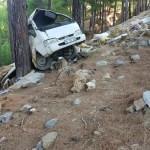 Antalya'da kamyonet uçuruma devrildi: 2 ölü, 2 yaralı