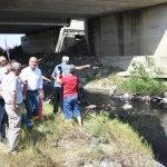 Ergene'deki kirliliğe dikkat çekmek için nehre olta attı