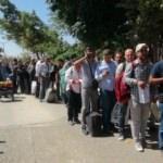 Sınırda kuyruk oluştu... Suriyeliler geri dönüyor