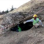 Urartu ve Roma dönemi kaya mezarları gün yüzüne çıkarıldı