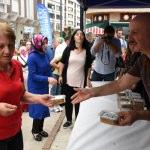 Altınordu'da aşure dağıtımı