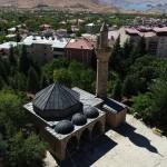 Tarihi camileri taşlarına numara vererek taşımışlar